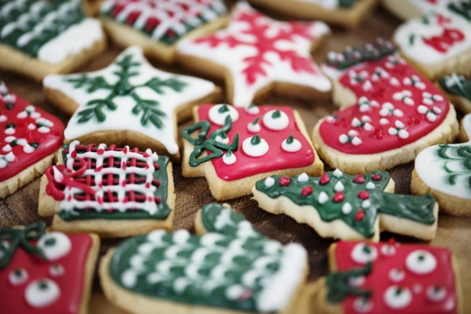 Christmas Treats That are bad for Your Teeth (& What to Eat Instead)